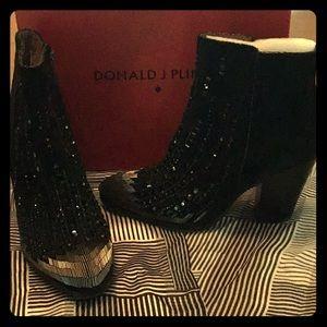 Donald J Pliner black ankle boots